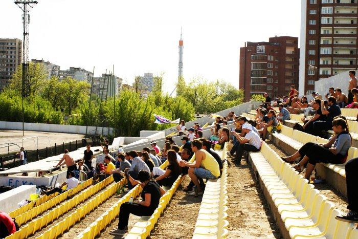 «13-ый игрок» уже на трибуне. Источник: www.fc-polet.ru