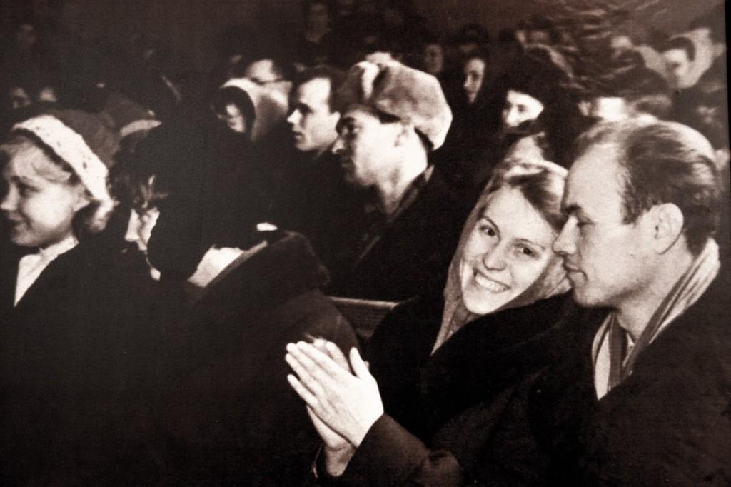 Зрители на встрече с ударниками коммунистического труда.1961