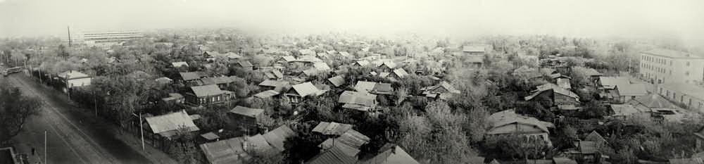 Улица Мичурина. Вид с 8 этажа дома №46. Год 1973. Фотография из архива Георгия Бичурова