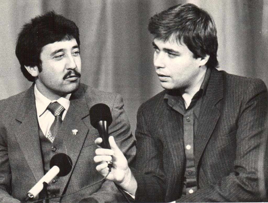 Встреча с читателями. 1986 год. слева - Д.Муратов