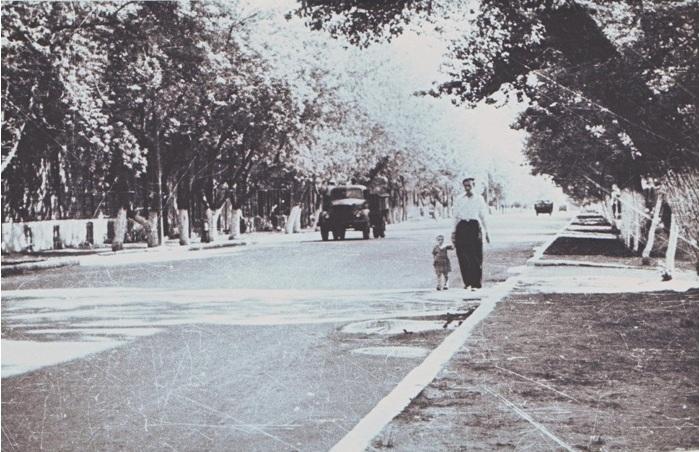 Садовая улица, лето, примерно 1958 год.