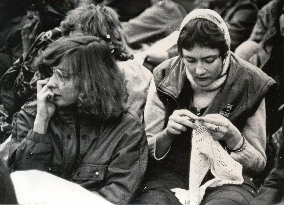 Безымянные зрители Грушинского. Середина 80-х. Источник: http://grushinka.ru/