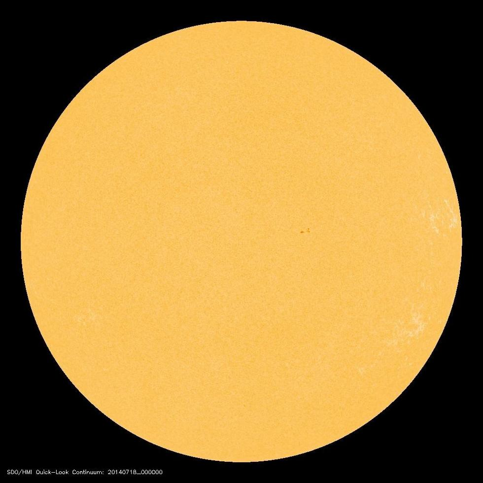 la-sci-sn-the-sun-goes-eerily-quiet-20140718-003