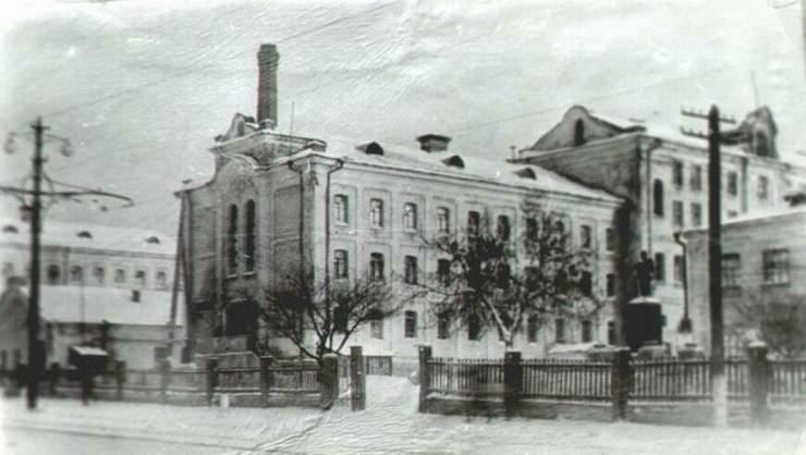 """Первая настоящая губернская тюрьма была построена в 1898 году, и назвали её """"Самарский крест""""."""
