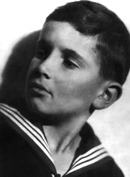 Эльдар Рязанов в детстве