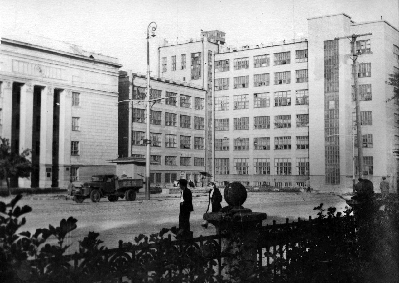 Dom-svyazi_radio-1941