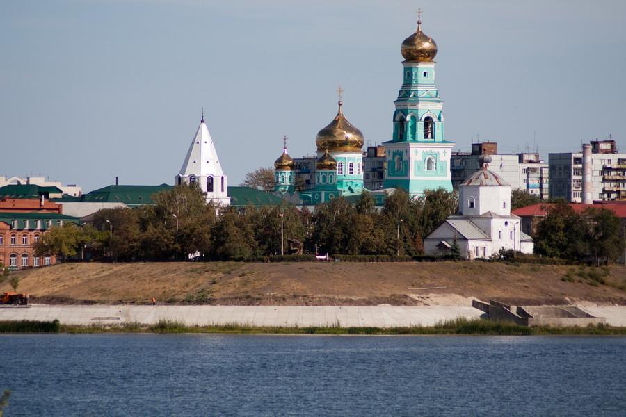 fs978x654px-Voznesenskiy_monastyrSyzran1