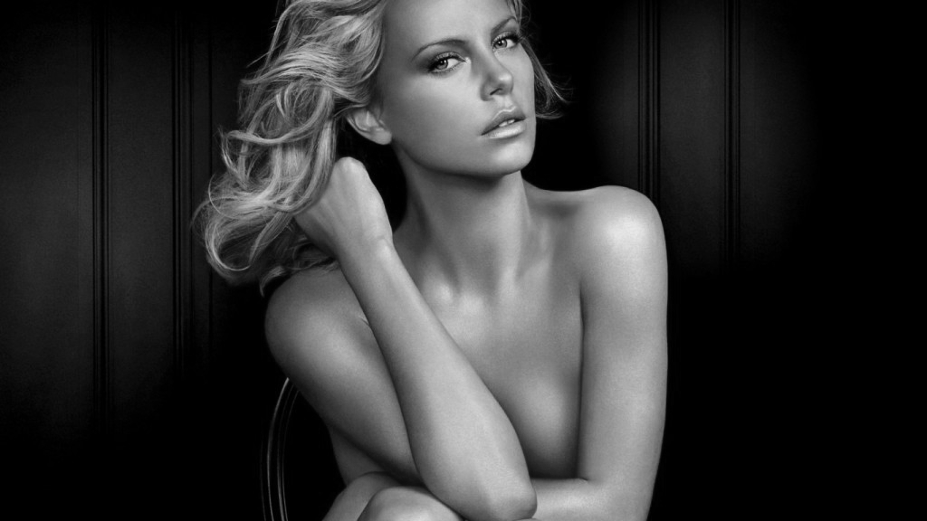 Charlize-Theron-Naked-Golden-Sketch-HD-Wallpaper-1024x576
