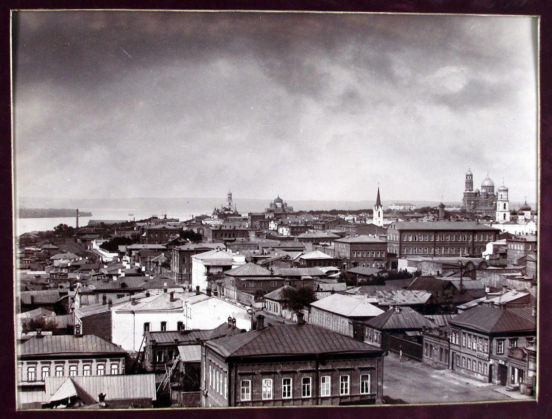02. Вид части города с высоты кафедрального