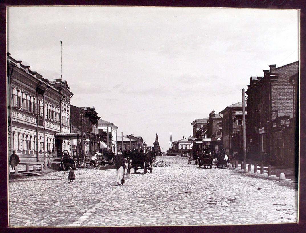 06. Вид на Дворянскую улицу с южной стороны