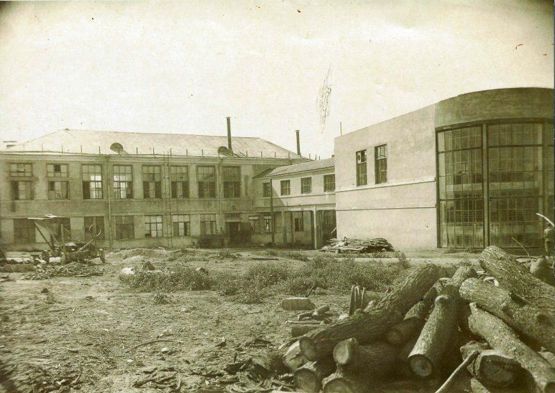 Вид на фабрику-кухню со стороны проспекта Масленникова