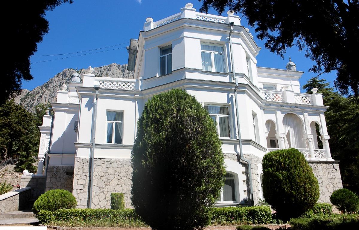 Дом Ушковых
