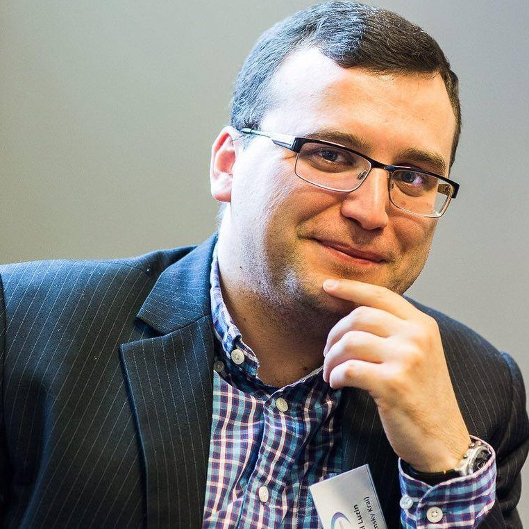 Военный эксперт Павел Лузин