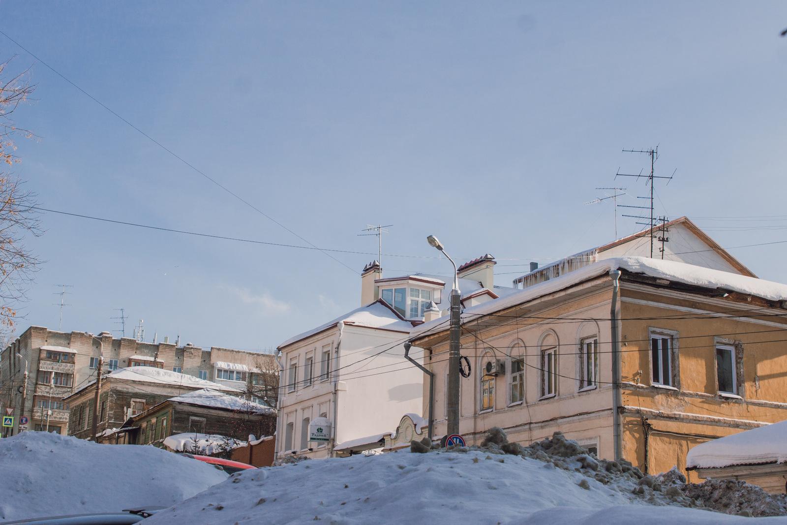 Вид на перекресток Алексея Толстого и Комсомольской