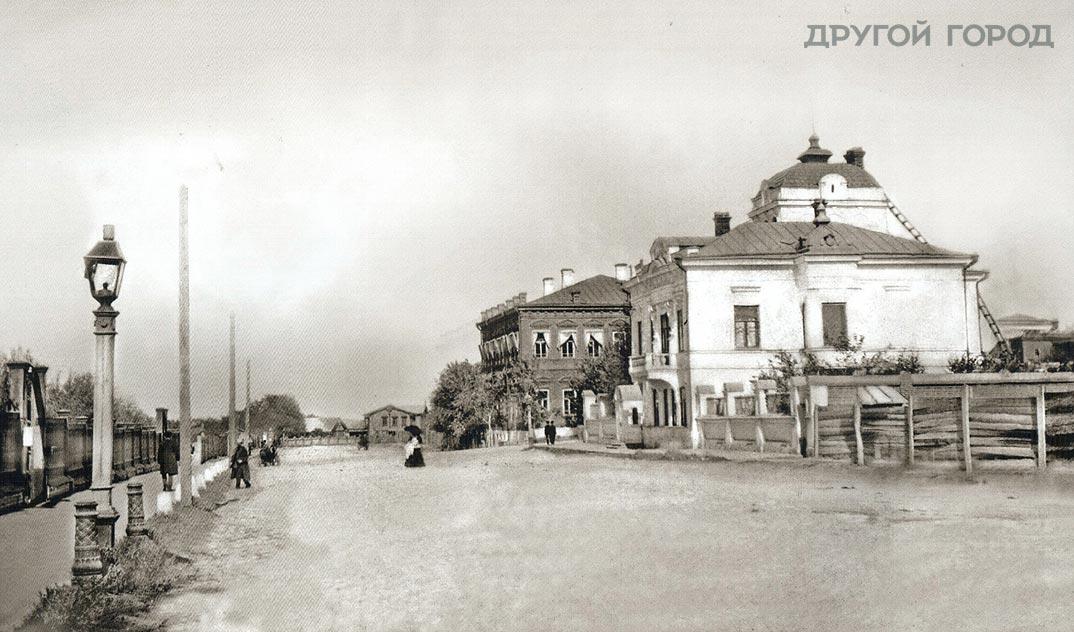 Угол улиц Алексеевской и Дворнянской