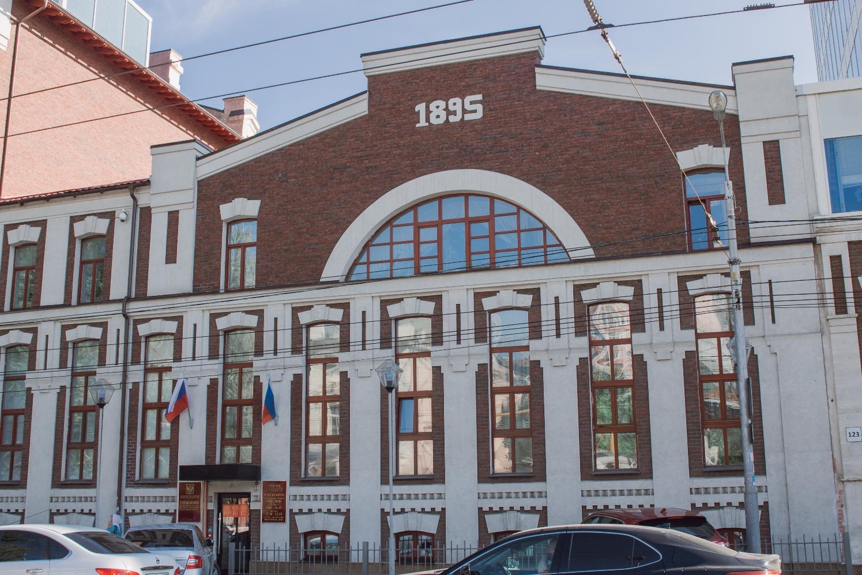 Ликеро-водочный завод на улице Льва Толстого