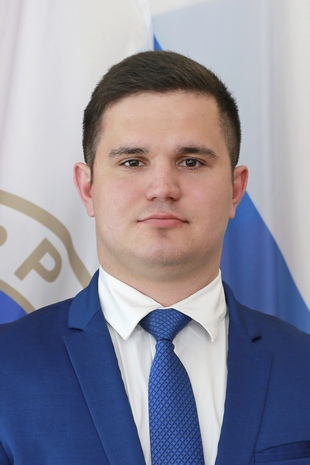 А Новоселов