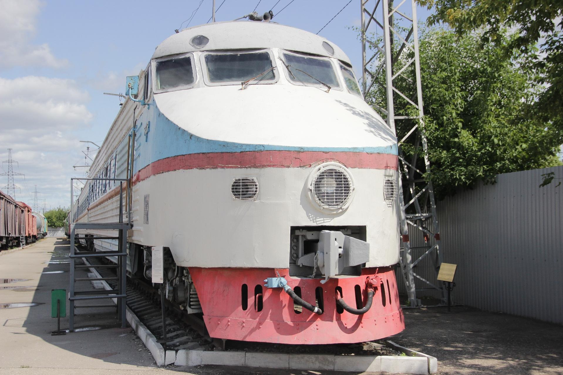 Первый скоростной электропоезд ЭР200