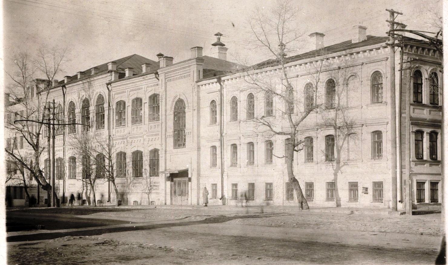 Самарский-университет-в-1918-году-пересечение-улиц-Чапаевской-и-Красноармейской