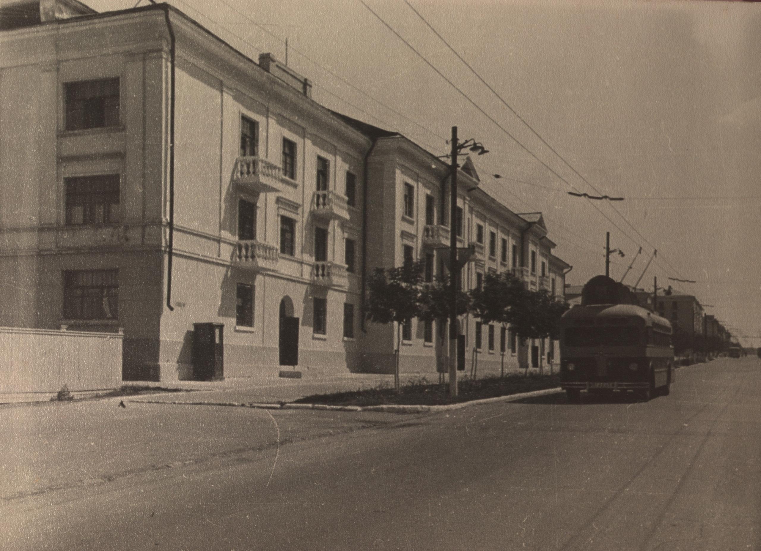Проспект Масленникова, 8