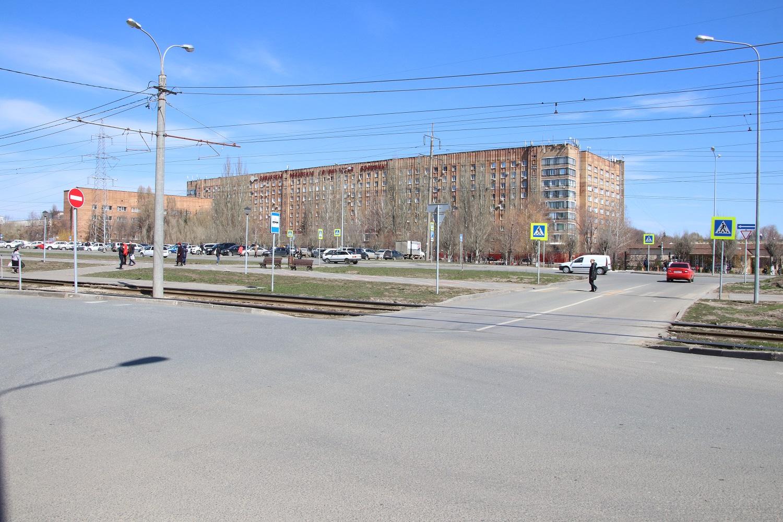 После реконструкции тихая ул.Ташкентская превратилась в опасное для пешеходов место.