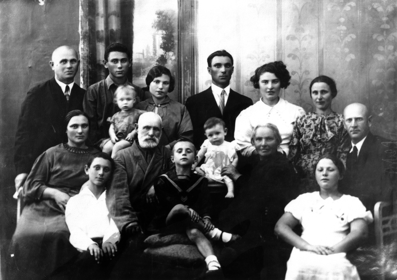 Семья Вайнгартенов до войны.