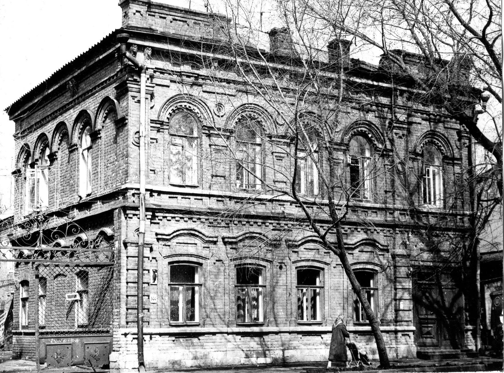 Молодогвардейская, 144.Будущий музей почты