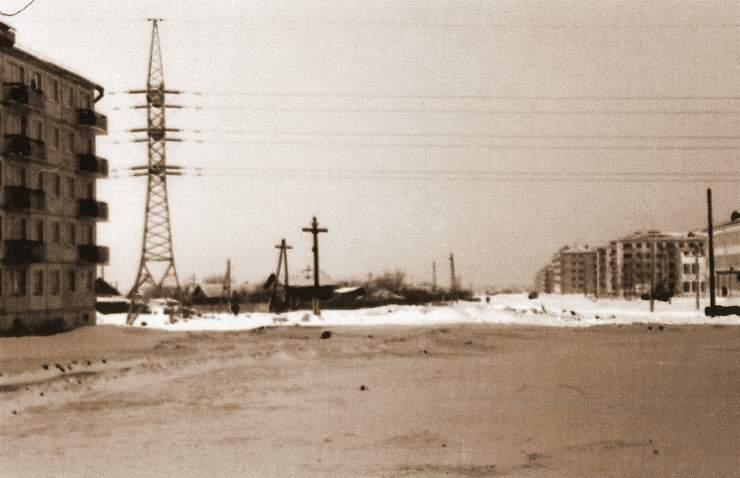Мориса Тореза-ФОТО-56-Куйбышев-1965-1966-угол МТ и Мяги