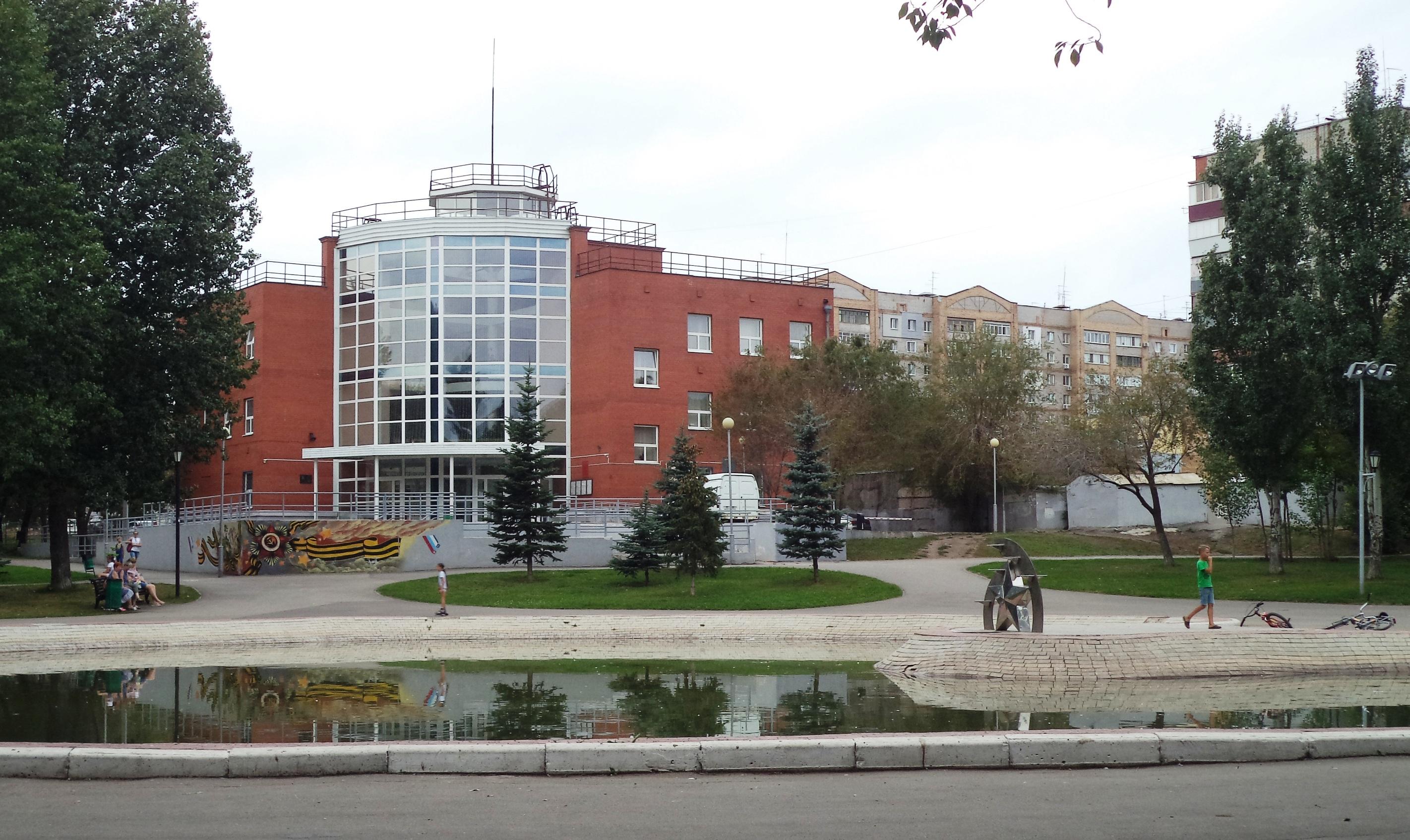 Мориса Тореза-ФОТО-91-Дворец Ветеранов