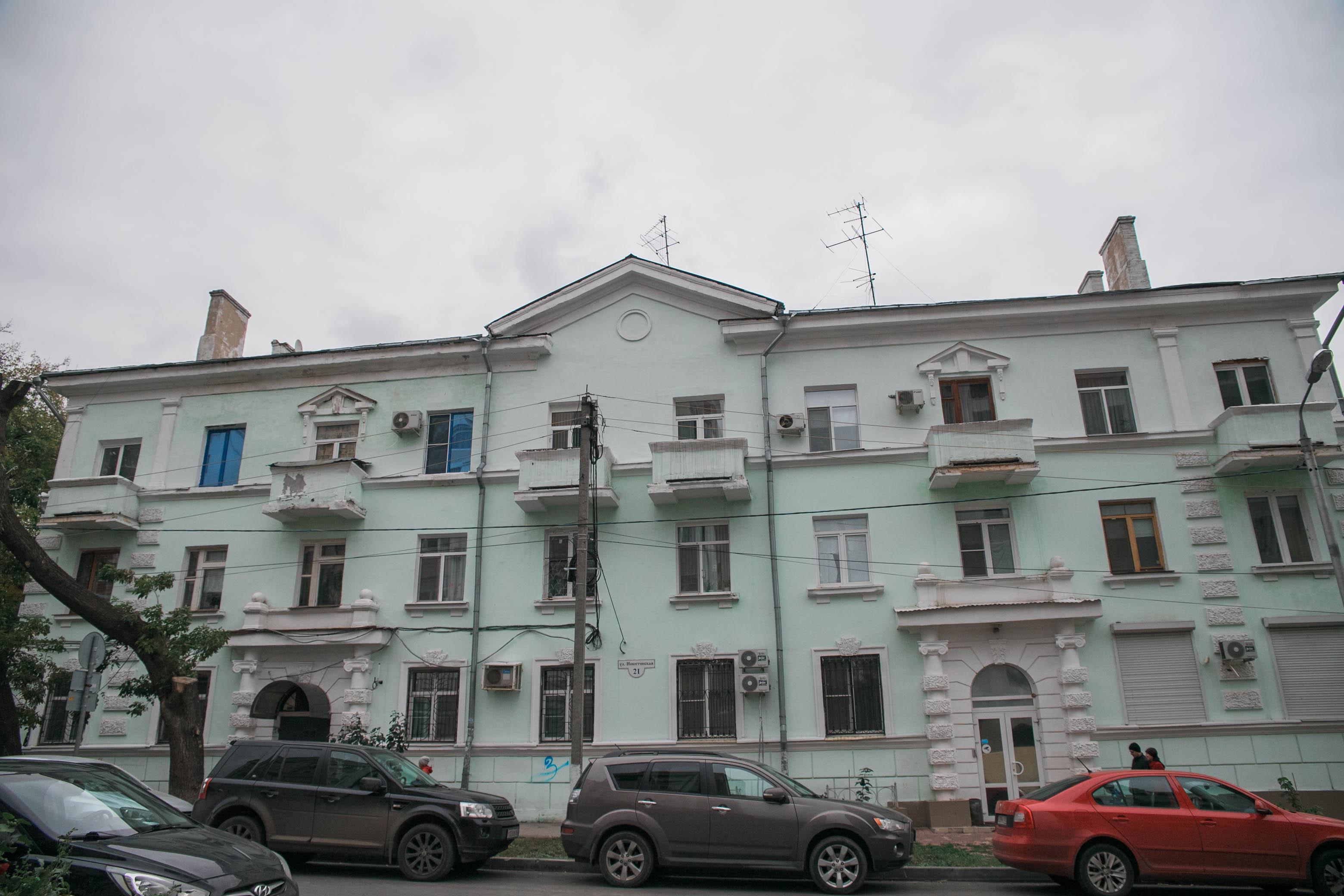 Сталинский ампир на улице Никитинской