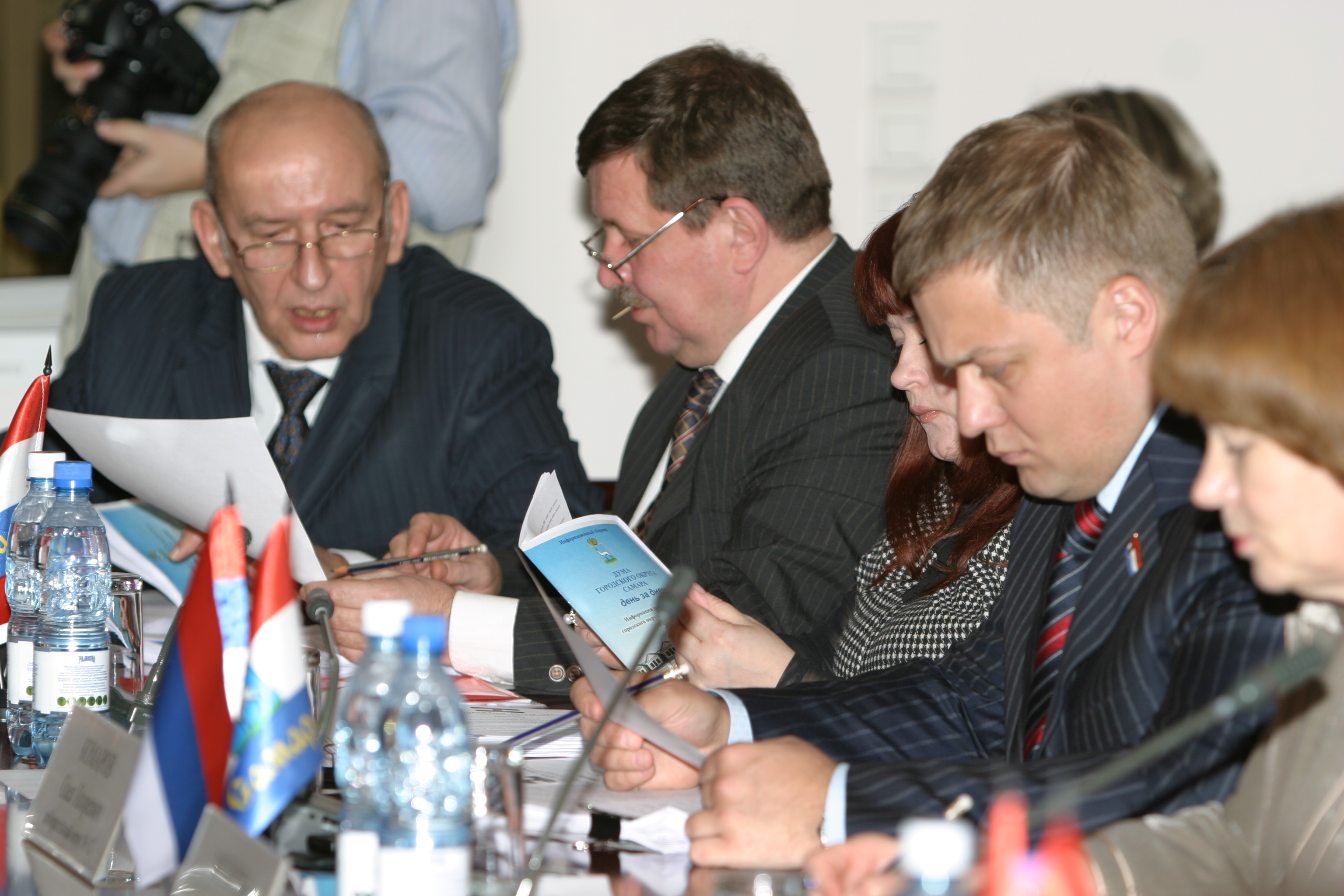 Второй слева — Михаил Анисимов