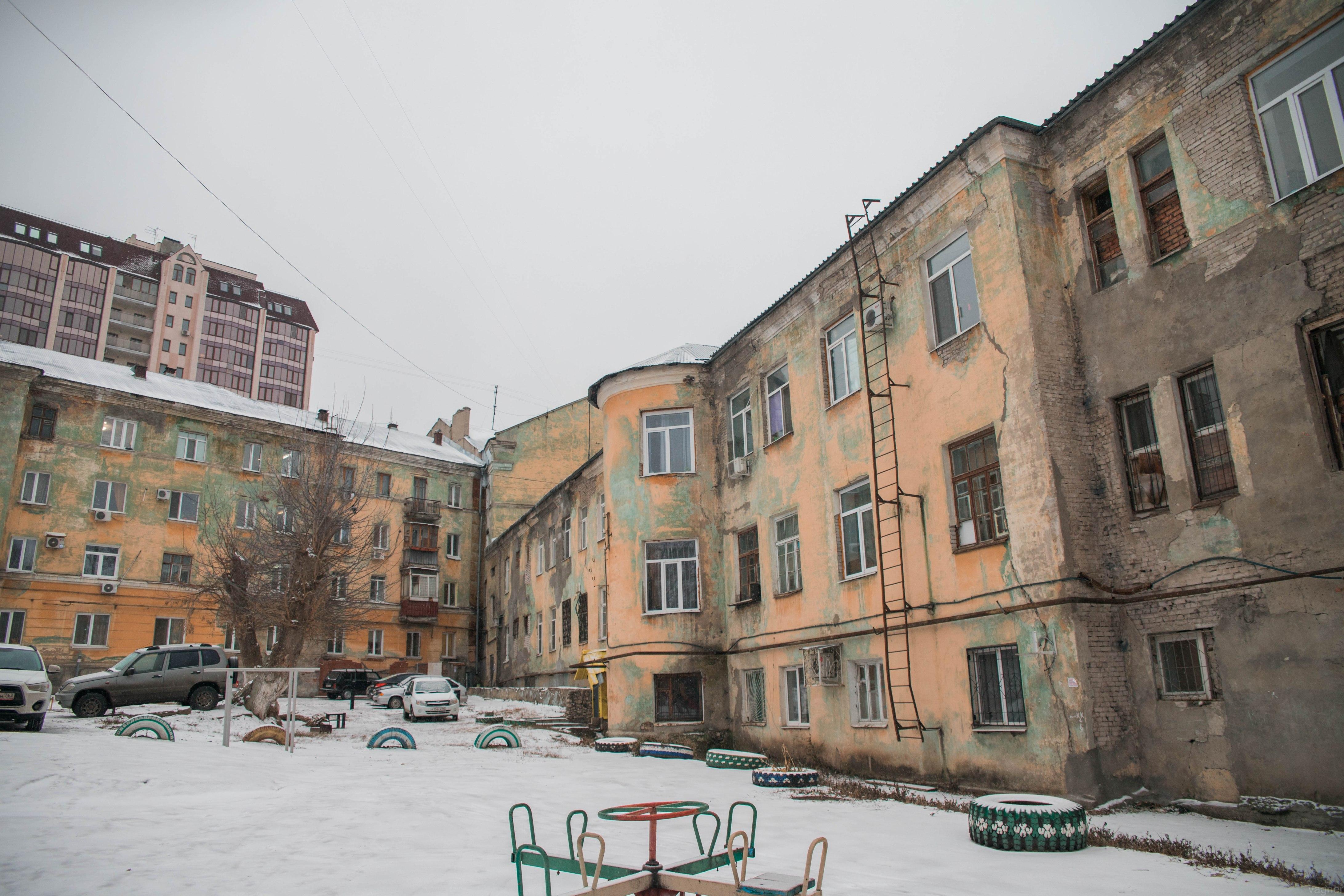 Общага Зима на углу со Скляренко-2