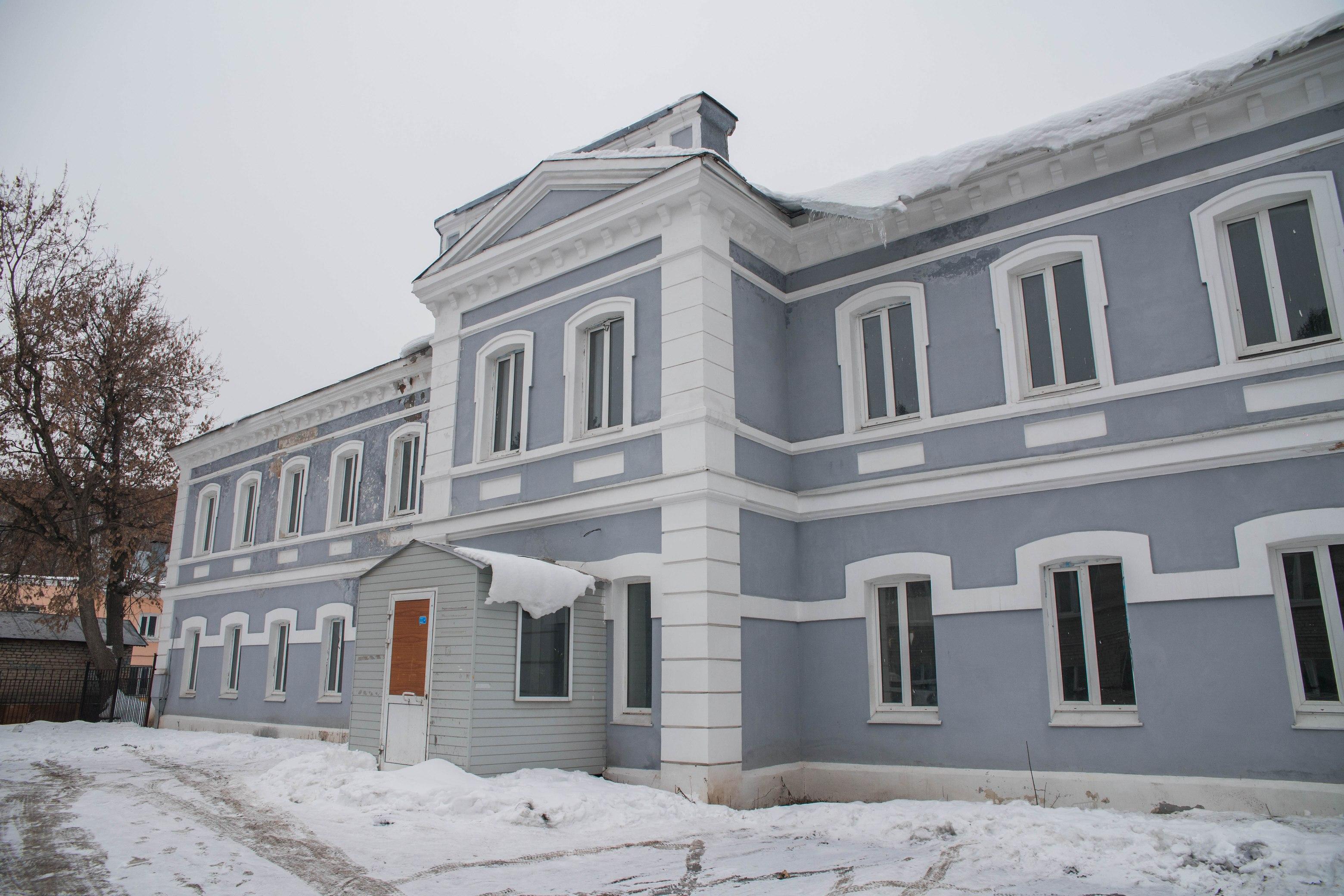 Братский корпус мужского монастыря