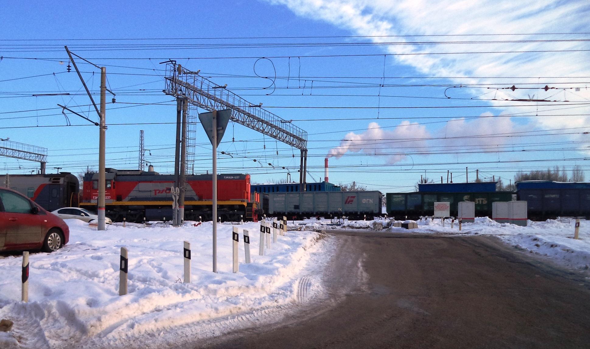 Паровозная-ФОТО-11-вид от переезда к депо