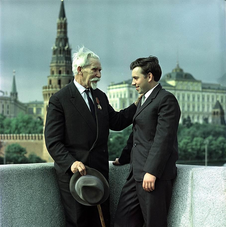 10_P_I_Voevodin_sleva_v_1963_godu