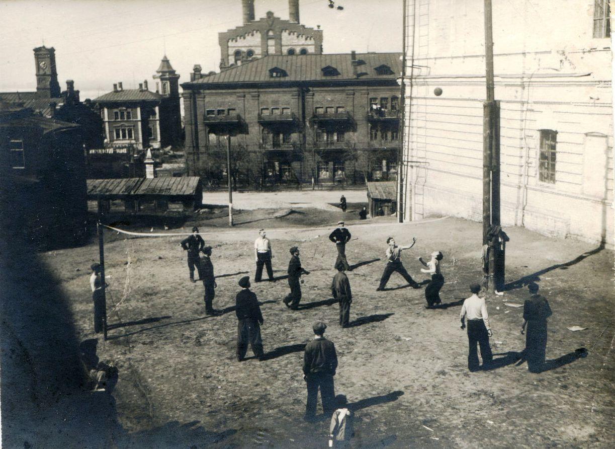 Вид на пивзавод из Рабочего поселка