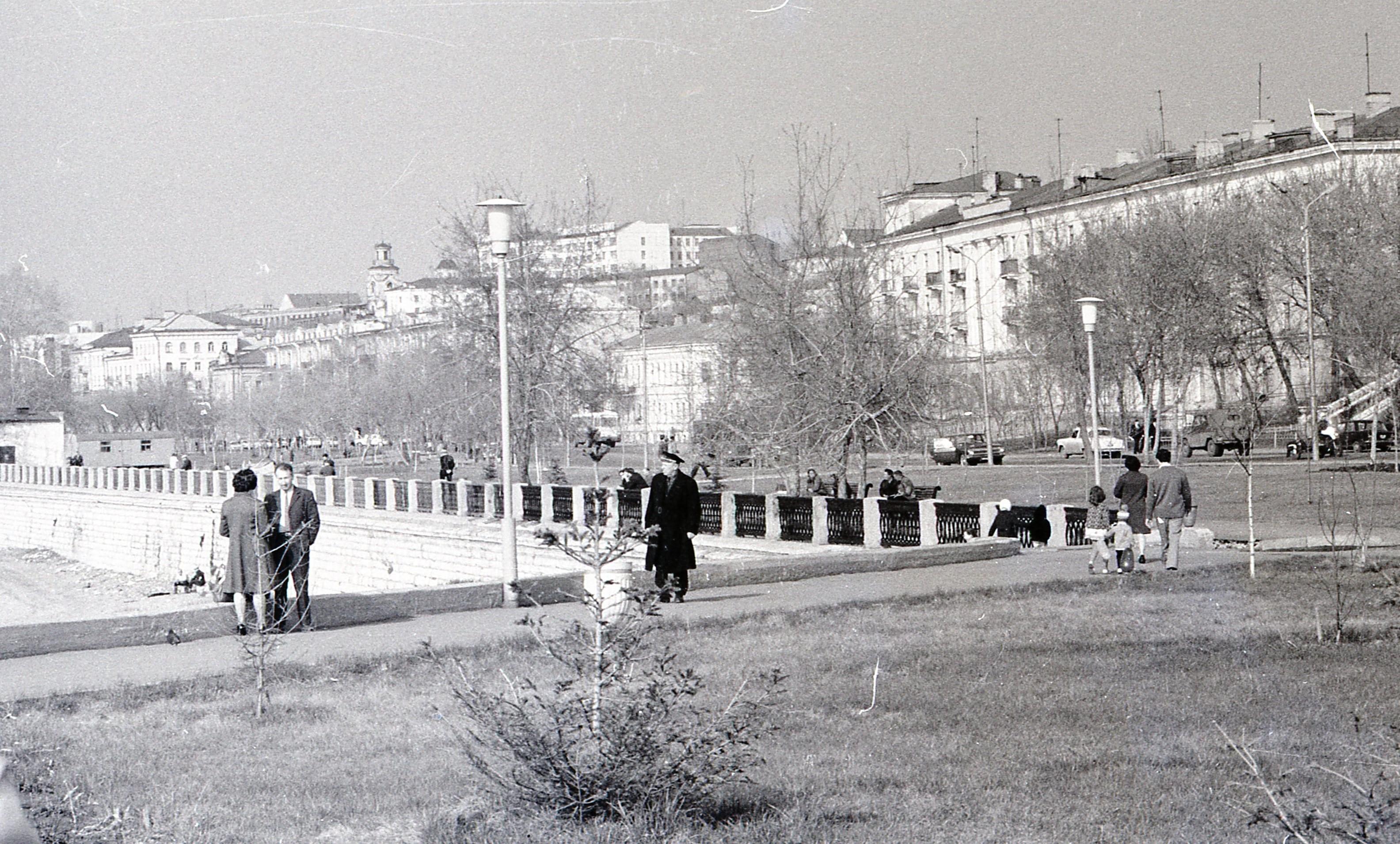 Вид на городк с набережной