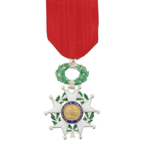legion_dhonour_full_size_medal_800x