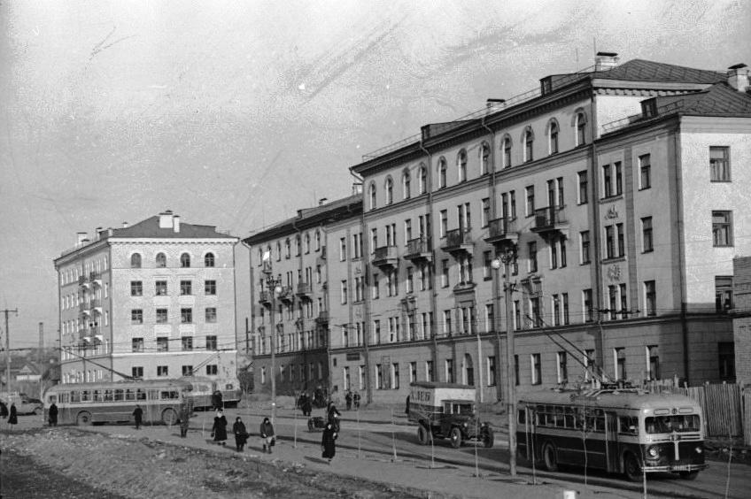 Новые-жилые-дома-на-ул.-Спортивной.-15.11.1955-2