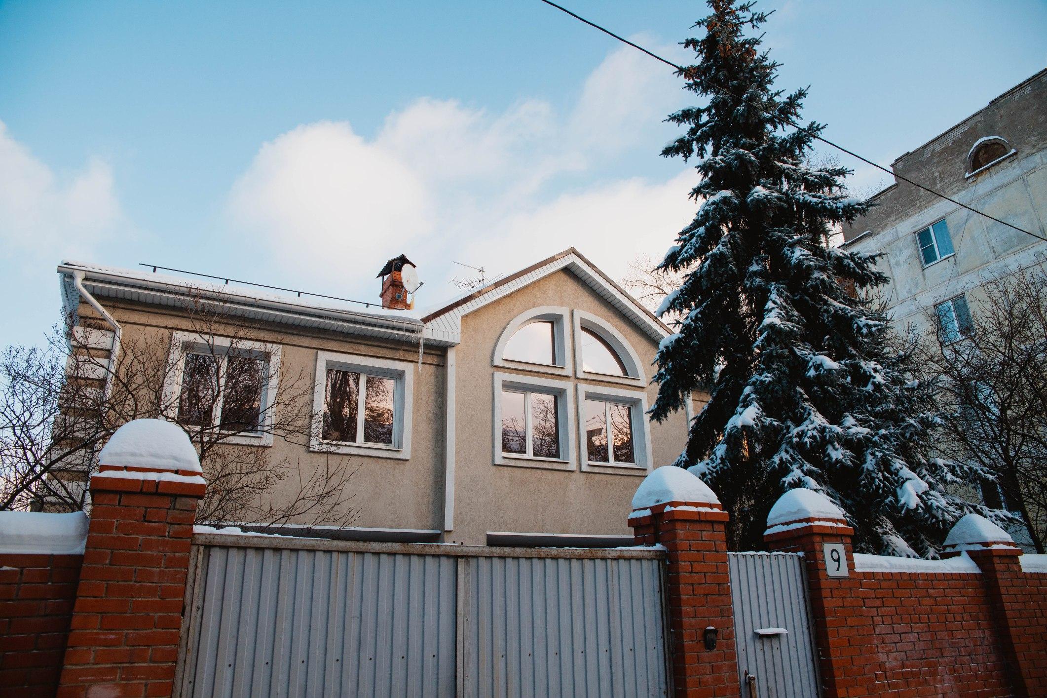 Современные коттеджи улицы Средне-Садовой