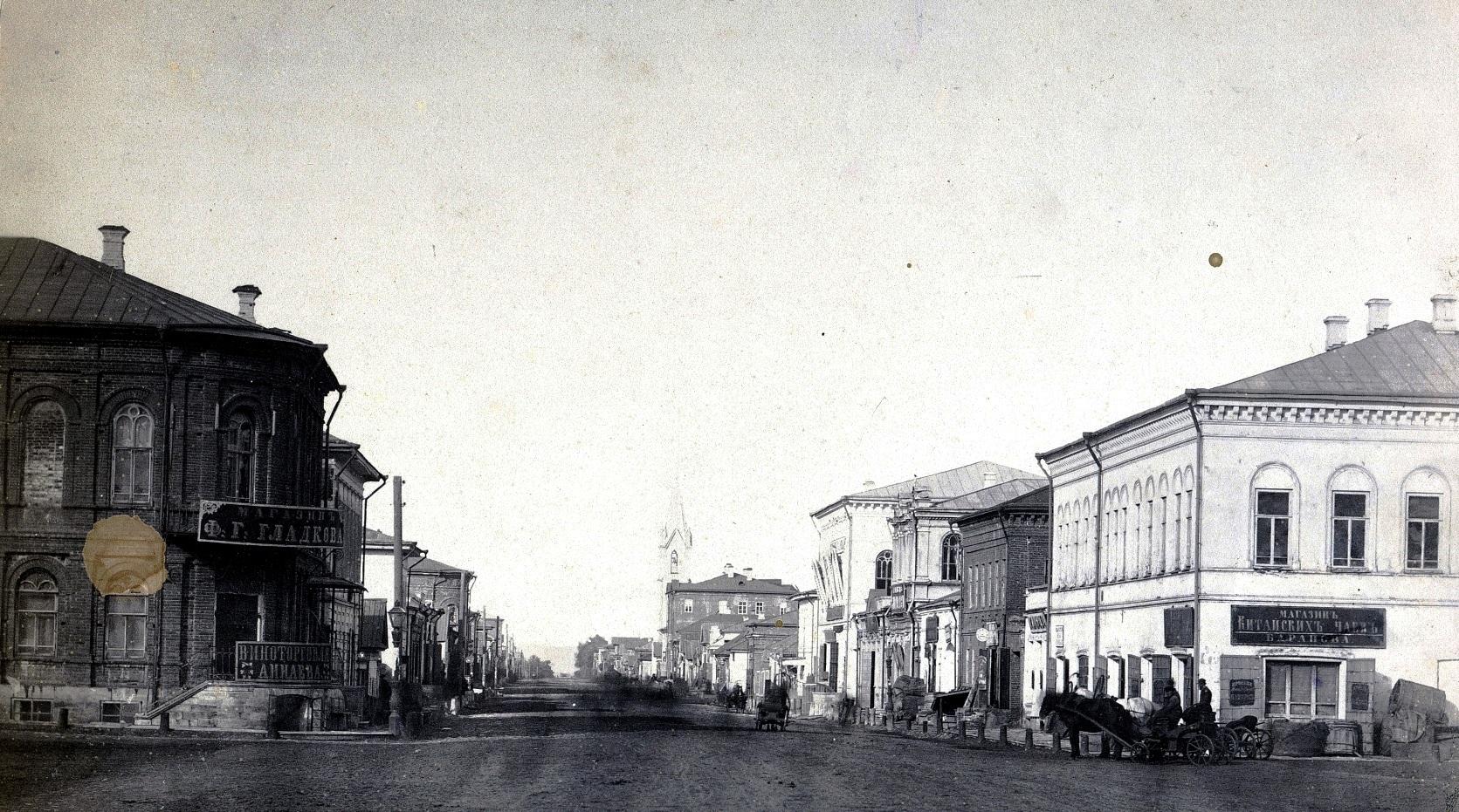 Улица Дворянская, вид от Алексеевской площади в сторону улицы Панской. 1870-е годы.