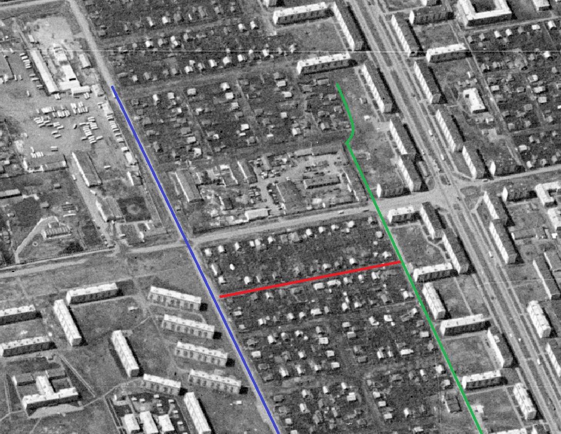 Спутниковый снимок 1965 года. Переулок Строителей отечен красной линией.