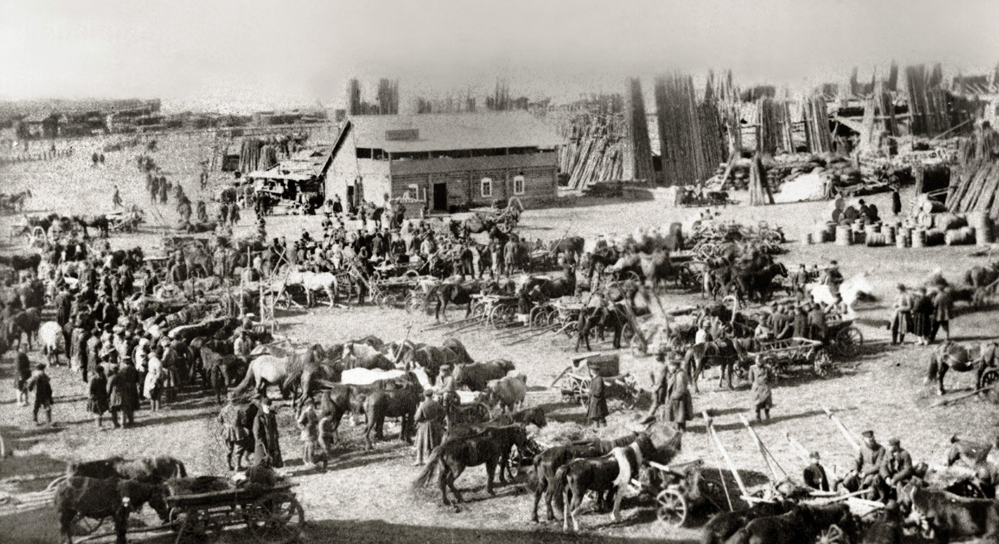 Щепной рынок на стрелке Самары и Волги