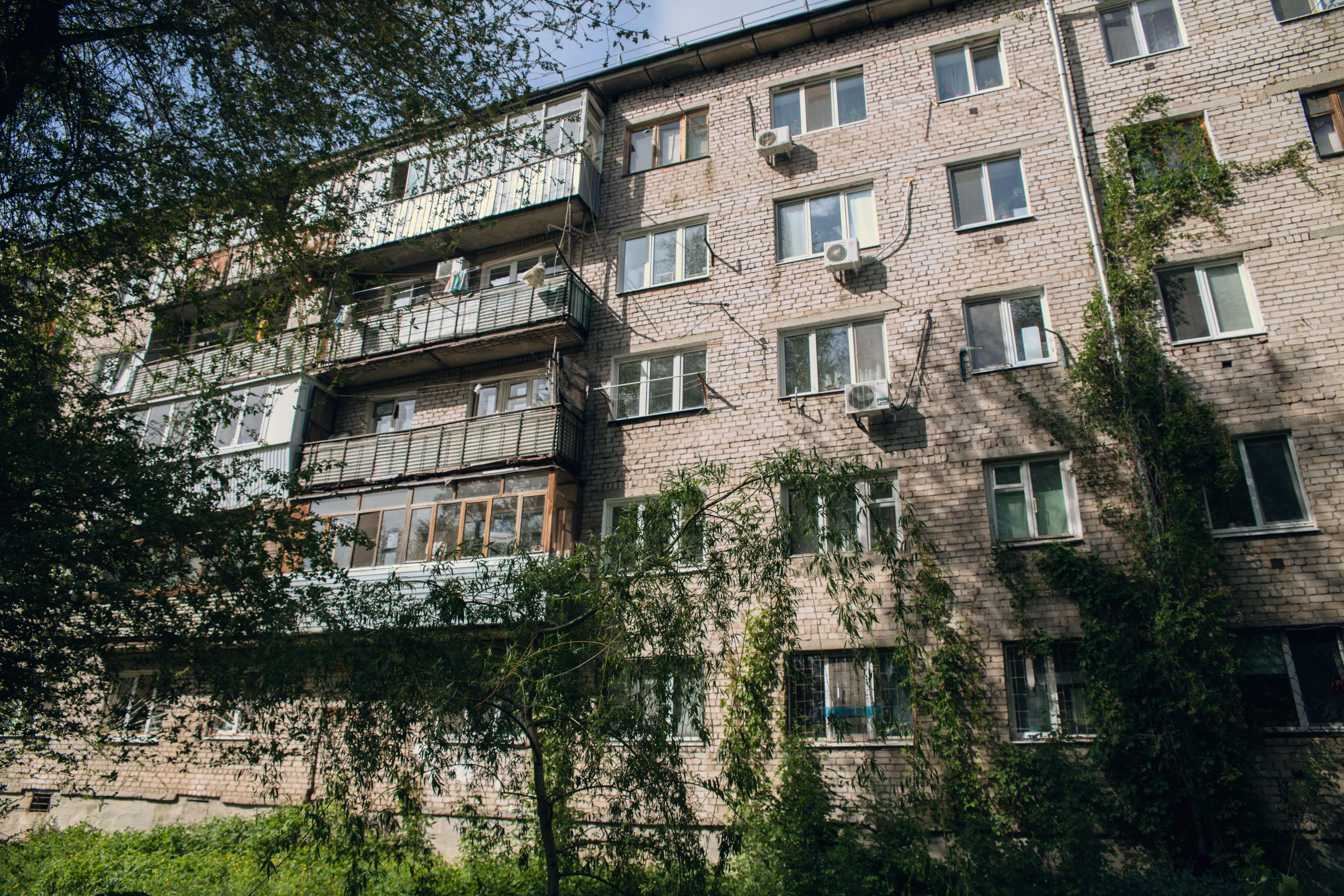 Пятиэтажные дома на Товарной