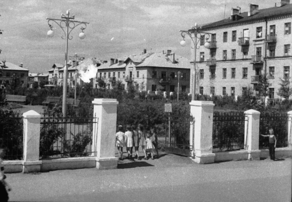 Театральный-ФОТО-07-Куйбышев-1950-е-р-н Театр. проезда
