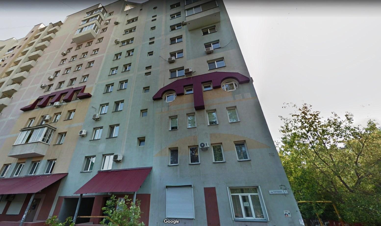 Тургенева 7 Самара. Дом с бровями