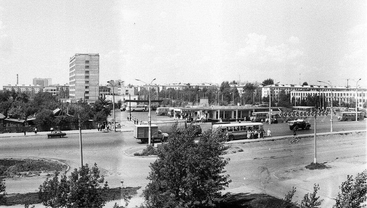 Тушинская-ФОТО-19-Куйбышев-1982-автостанция Аврора