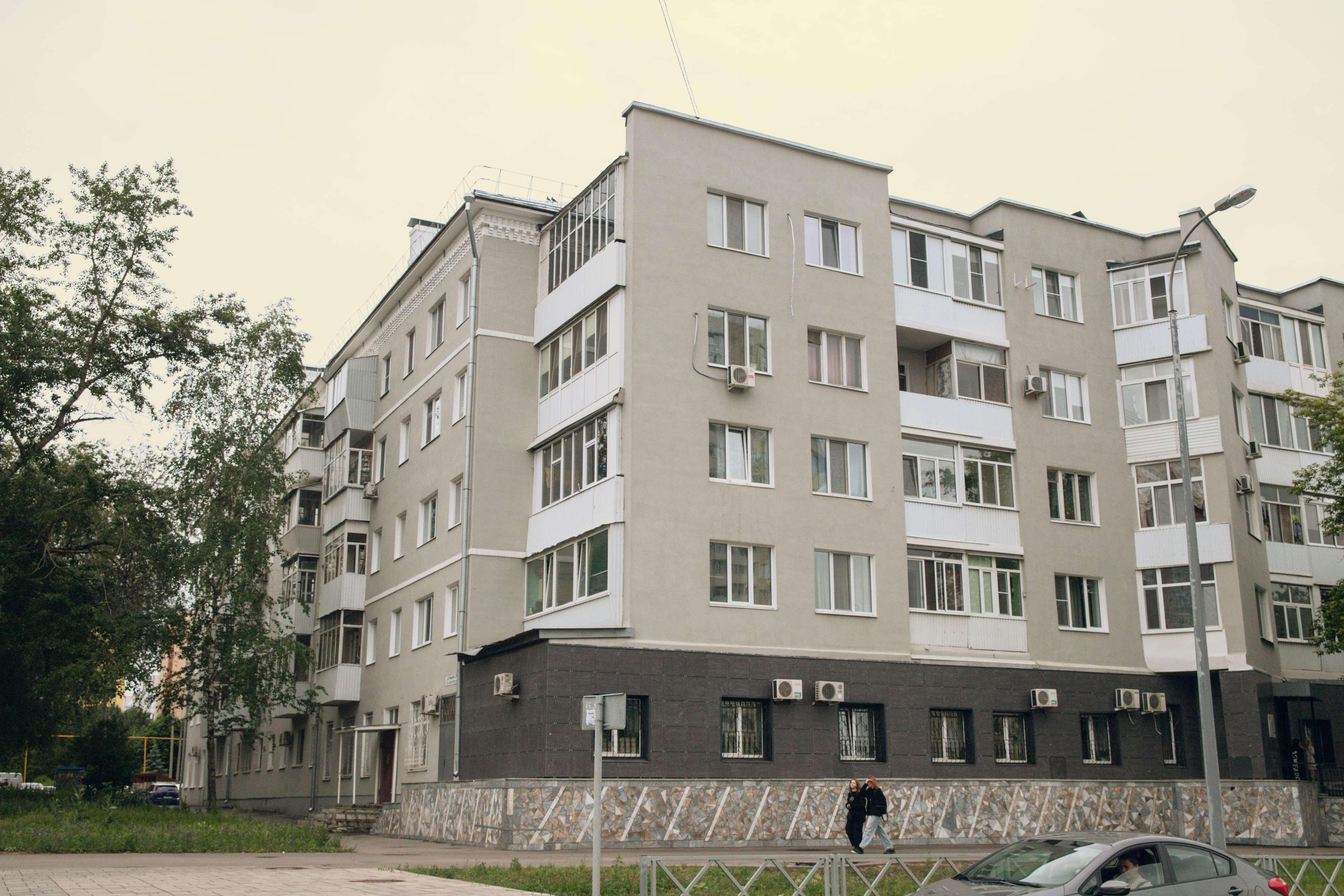 П-образная пятиэтажка на Урицкого