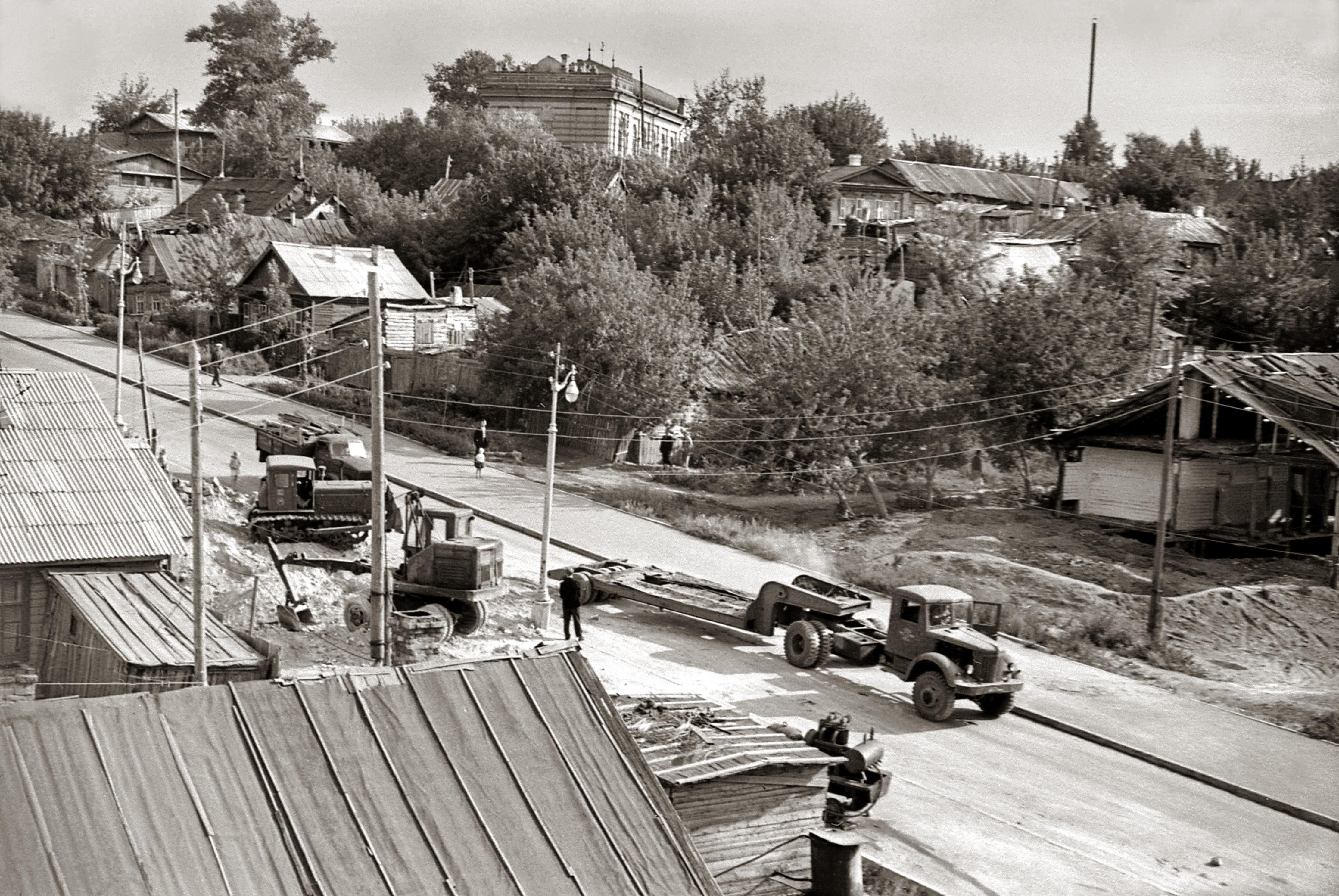 Чкаловский спуск в 1961 году. В верхней части кадра -- здание мечети
