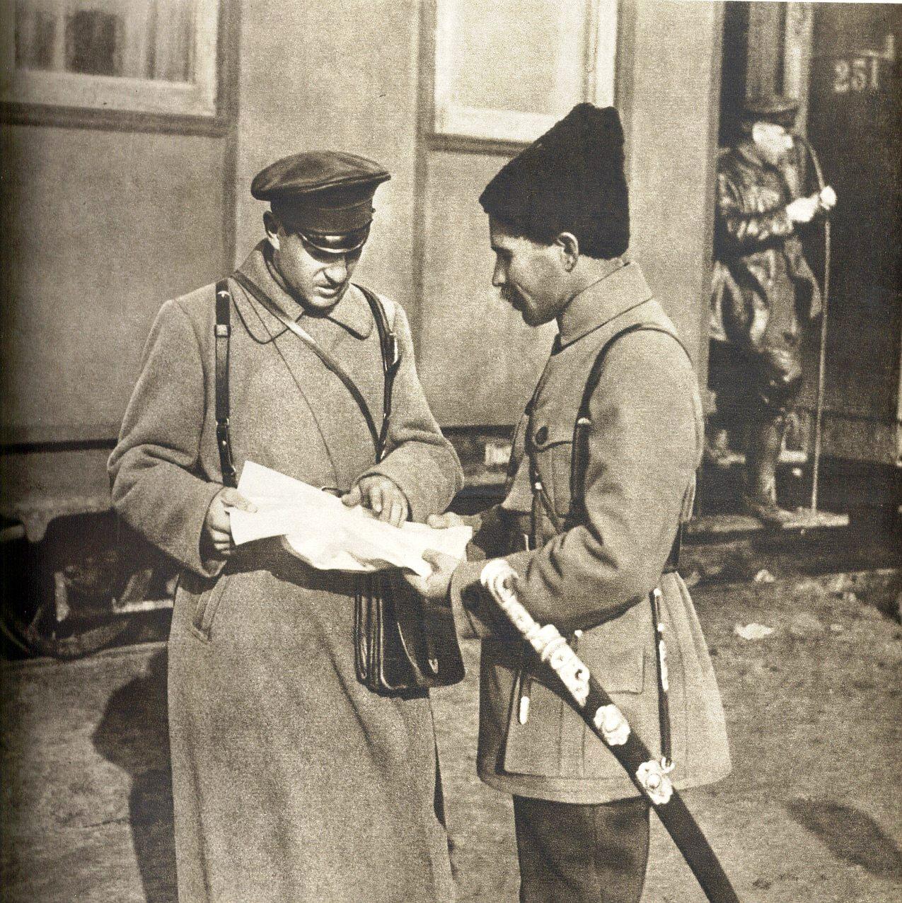 Сергей Захаров и Василий Чапаев-min